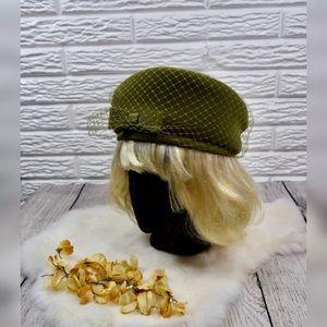 Vtg 50s/60s | Green Pillbox Hat w/Mesh Overlay